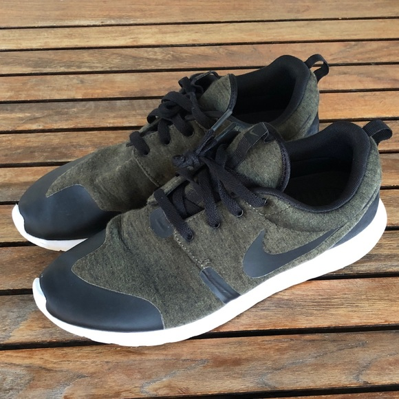 low priced 44a92 4b5e5 Nike Roshe One Olive Green Tech Fleece Size 11
